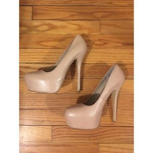 Tan Steve Madden pumps